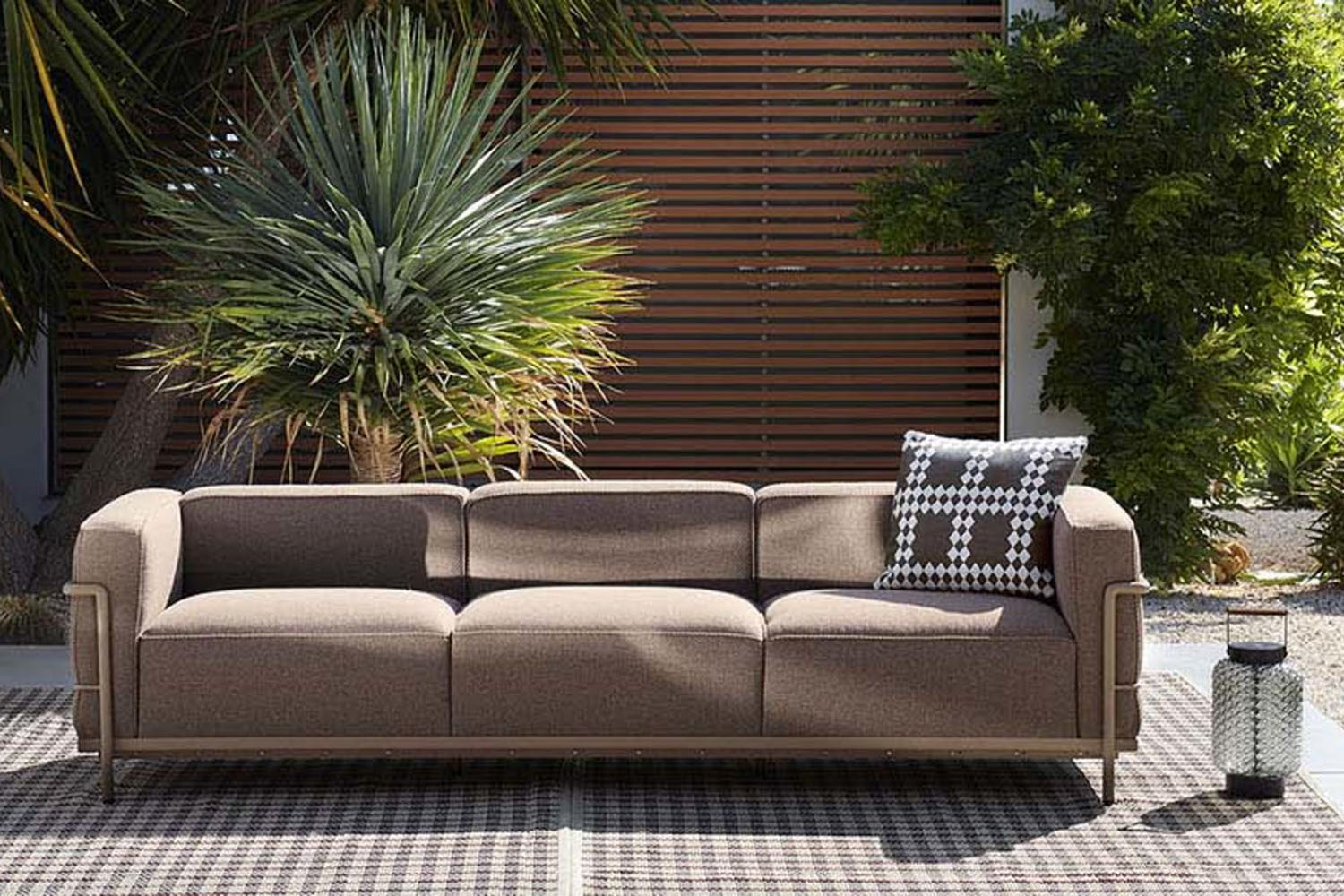 lc3 outdoor ambientata 2 1